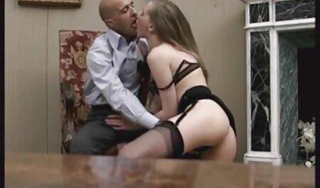 Geile gefesselte Mädchen harte große geile busen Brustwarzen zum Orgasmus geleckt