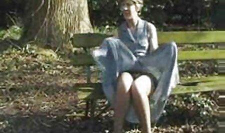Die brünette Jennifer kleine titten free porn verbringt viel Zeit damit, zu necken und sich auszuziehen