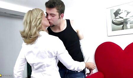 Katie betrügt am Valentinstag geile reife titten