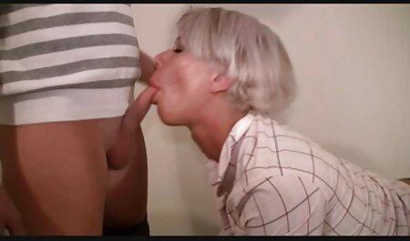 Randi Wright spritzt mit 4 Fingern in ihre Muschi free hängetitten porn