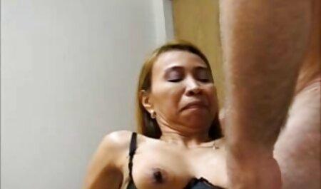 Die vollbusige Antonie masturbiert ihre haarige tittenvideo kostenlos Muschi