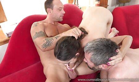 Hochhackige große brüste sex video Strapon-Lesben