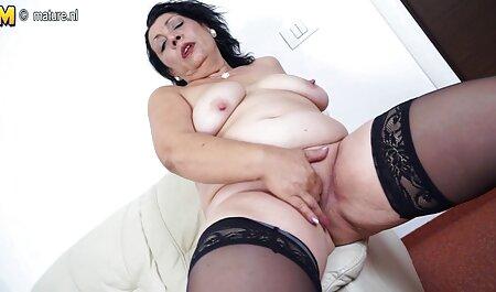 Oma free dicke titten Camgirl