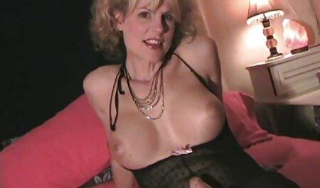 Hot Chick saugt Papys Schwanz porn große brüste