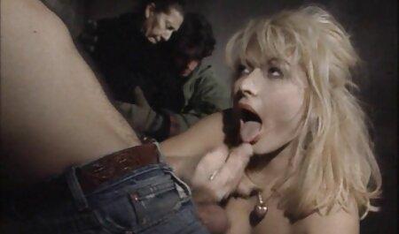 Spezielle Armee-Gyno-Prüfung tittenvideo kostenlos für heiße vollbusige Blondine